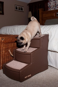 Stairs for dogs to get on a bed